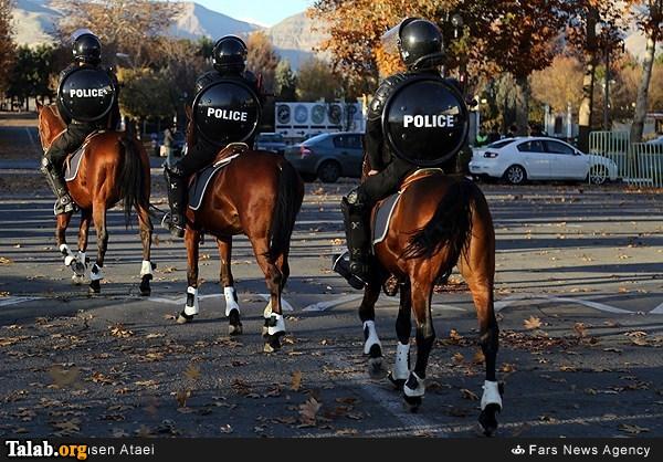 نظامیان اسب سوار در تهران (عکس)