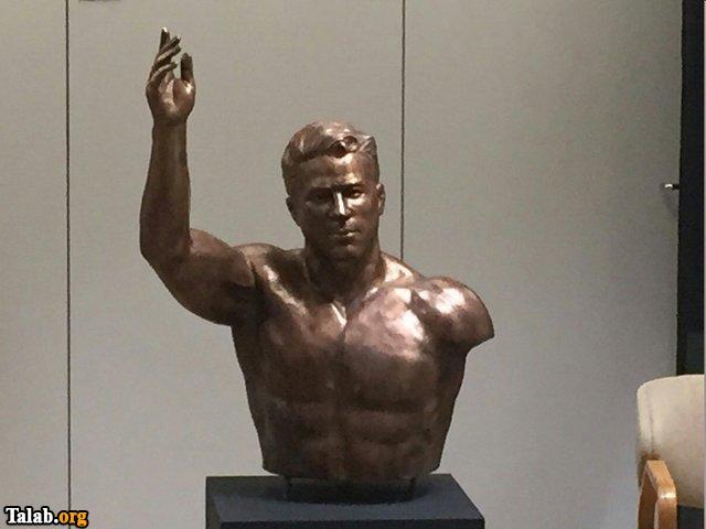 رونمایی مجسمه پهلوان تختی در موزه آمریکا (عکس)