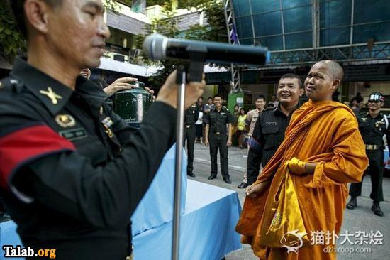 ترانجنسی های زن در تایلند به سربازی میروند (عکس)