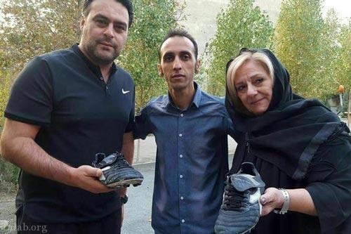 کفش مرحوم حجازی با قیمت 50 میلیون فروخته شد (عکس)