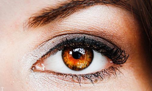 برای چشم های قهوه ای چه آرایشی مناسب است ؟