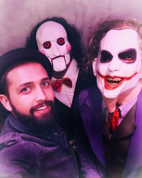 محسن افشانی در جشن هالووین به همراه دوستانش