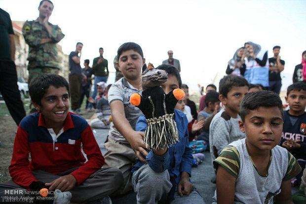 کودک آواره زلزله زده (عکس)