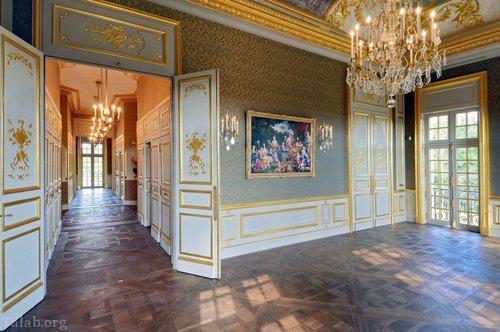 تصاویری از کاخ مجلل ولیعهد عربستانی در فرانسه