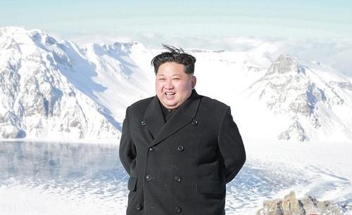 تصاویر کوه پیمایی رهبر کره شمالی در هوای برفی