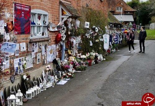 جورج مایکل خواننده معروف دیوارهای خانه اش را تزیین کریسمس کرد