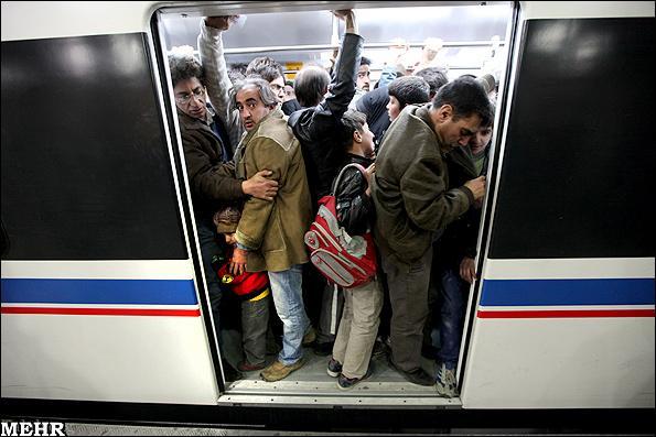 تجاوز مرد افغانی به 3 دختر جوان تهرانی در مترو