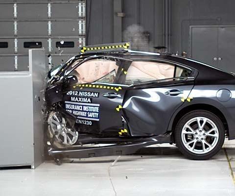 تست تصادف و ایمنی خودروهای داخلی ایرانی و خارجی چقدر میباشد ؟