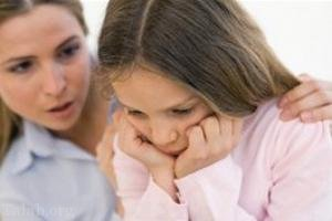 رابطه ی بین مشکلات روانی و بلوغ زودرس دختران