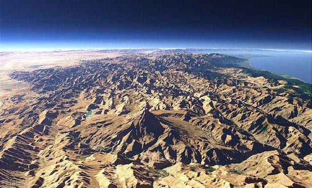 عکسی هوایی بی نظیر از قله دماوند