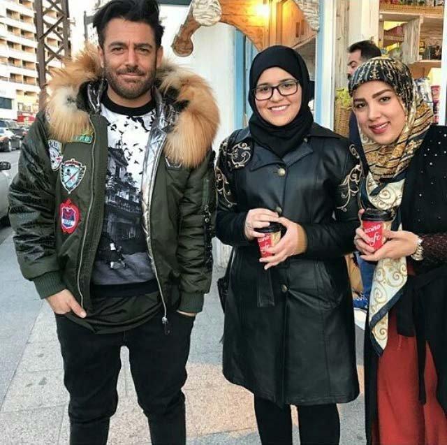 عکس یادگاری محمدرضا گلزار در کنار دختران جوان در لبنان