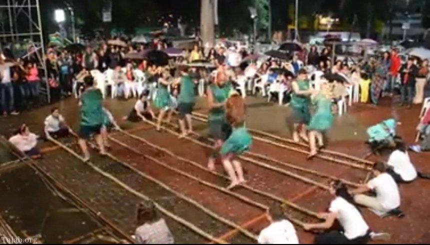 این رقص زیبای گروهی جالب را از دست ندید (کلیپ رقص)