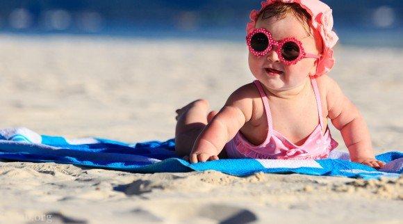 عکس های خفن دختران برهنه و لخت لب دریا + دختران لخت لب ساحل