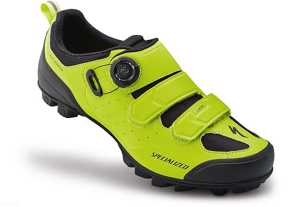 زیباترین مدل کفش های اسپرت دخترانه و پسرانه 1400 - 2021