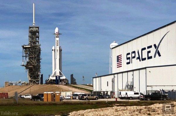 خودروی تسلا با موشک فالکون هوی برای همیشه به فضا پرتاب شد (+ فیلم و عکس)