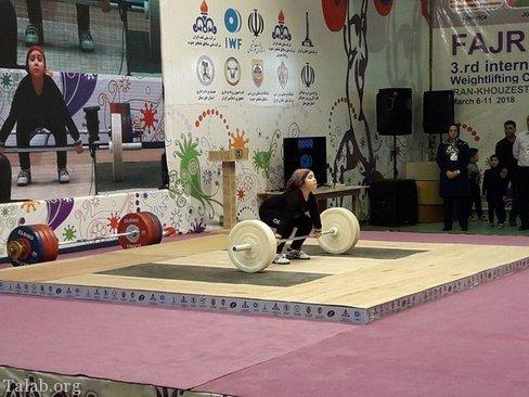 دختر 8 ساله شگفت انگیز اردبیلی در مسابقه مردان وزنه زد (عکس)