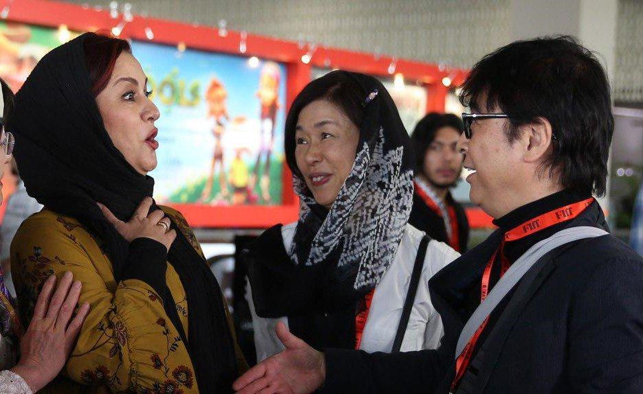 سوژه شدن دست ندادن مریلا زارعی با مرد چینی (عکس)
