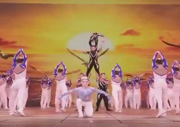 رقص گروهی زیبا در این کلیپ حتما ببینید !
