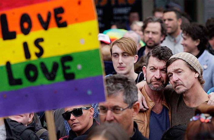 2 مرد همجنس گرا بچه دار شدن (عکس)
