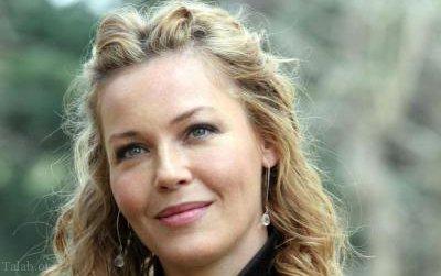 بازیگر قد بلند دانمارکی در 54 سالگی باردار شد (عکس)
