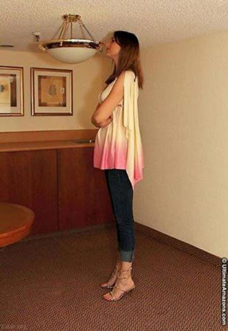 دختر جذاب و زیبای قد بلند آمریکایی را بشناسید (+عکس)