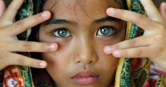 پسر بچه آفریقایی با زیباترین چشم های دنیا + عکس
