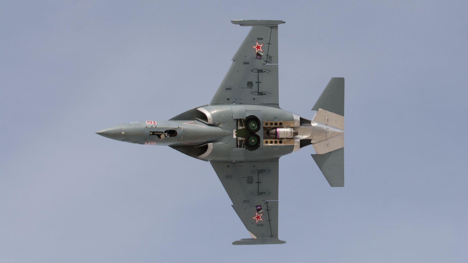 آشنایی با جنگنده سبک آموزشی یاک- 130 روسی (+ مشخصات)