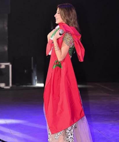 خشم مردم مراکش از رفتار نانسی عجرم پس ورود به مراکش (عکس)