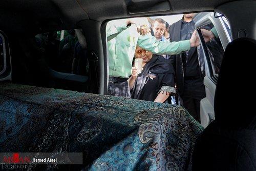 آواز علی نصیریان در مراسم تشییع عزت الله انتظامی + تصاویر مراسم
