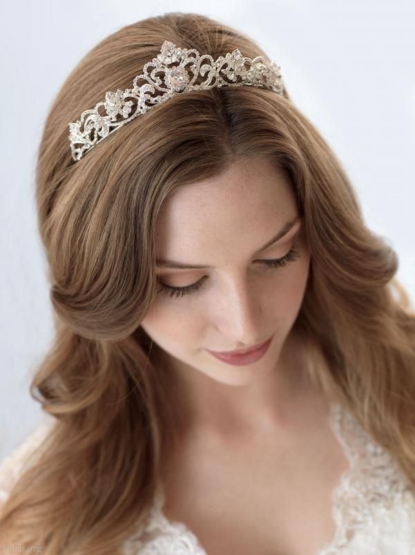 مدل تاج عروس جدید و شیک + نکات مهم در انتخاب تاج عروس