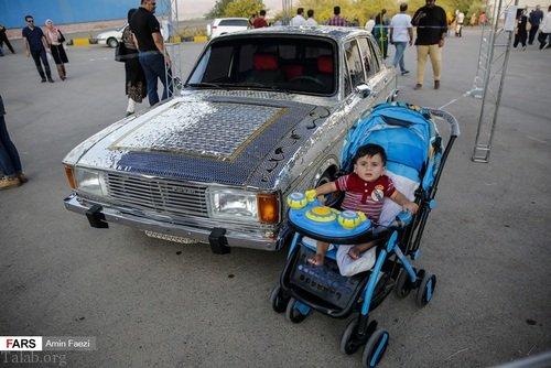 تصاویر پیکان آینه کاری شده دیدنی در شیراز (+ فیلم)