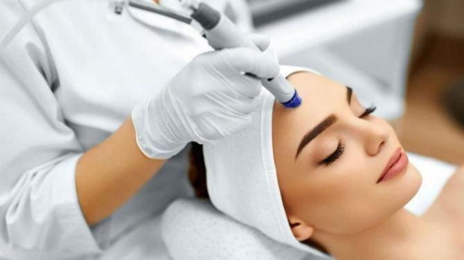 درمان خشکی پوست صورت در فصل پاییز | نکات مهم مراقبت از پوست در پاییز