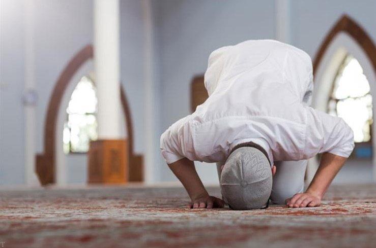 بیدار کردن دیگران برای نماز صبح واجب یا مستحب ؟