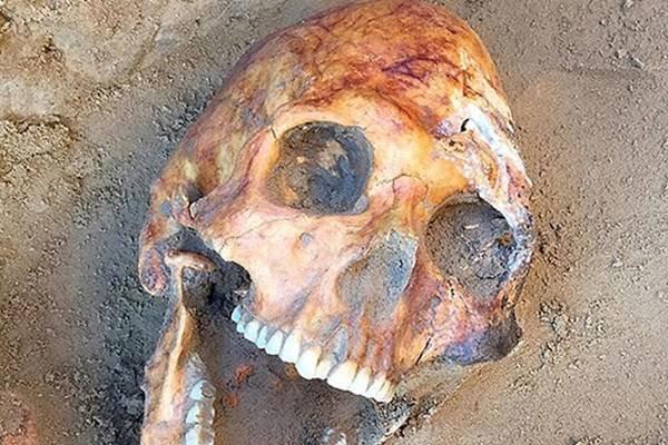 کشف جسد شاهزاده زن 2000 ساله با جواهرات قیمتی (فیلم + عکس)