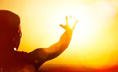 12 مورد از فواید و مضررات نور خورشید بر سلامت بدن
