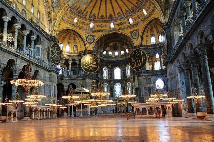 جاذبه های گردشگری شهر زیبای استانبول برای مسافران