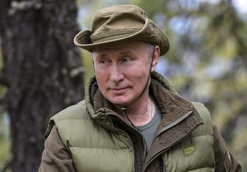 ولادیمیر پوتین در سلامت کامل در تولد 67 سالگی (عکس)