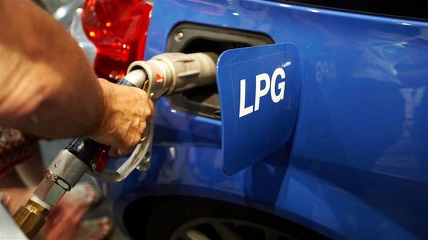 مضرات و فواید گاز مایع LPG- ای پی جی + گاز CNG يا LPG