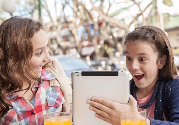 سن مناسب خرید گوشی موبایل برای فرزند