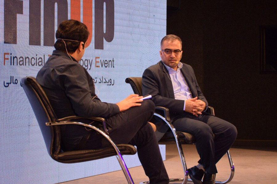 گفتگو با دکتر جواد جاویدنیا در فیناپ درباره فضای مجازی