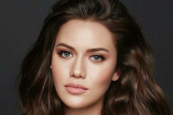 زیباترین زنان جهان در سال ۲۰۲۰ (عکس)