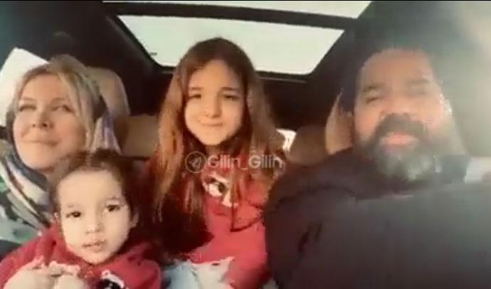 همخوانی زیبای رضا صادقی با همسر و دخترانش (کلیپ)