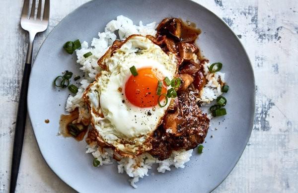 طرز تهیه 20 غذای خوشمزه که میتوان با تخم مرغ آماده کرد