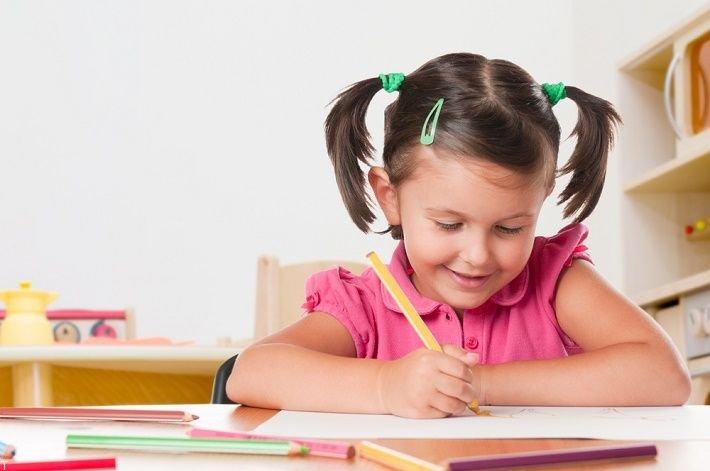 برای کودکان چگونه مداد رنگی انتخاب کنیم؟