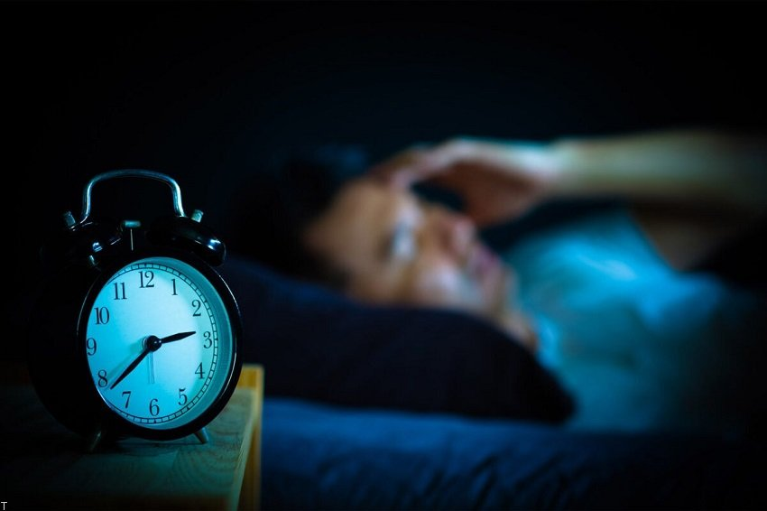 تاثیر مصرف کافئین بر خواب + نکاتی برای رفع بی خوابی
