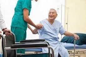 نگهداری از سالمند شبانه روزی در منزل