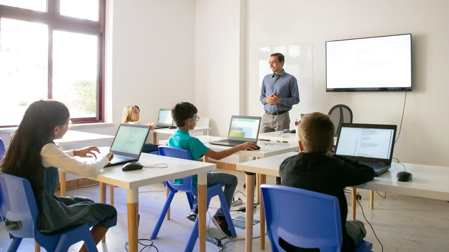 چگونه کلاس آنلاین رایگان برگزار کنیم؟
