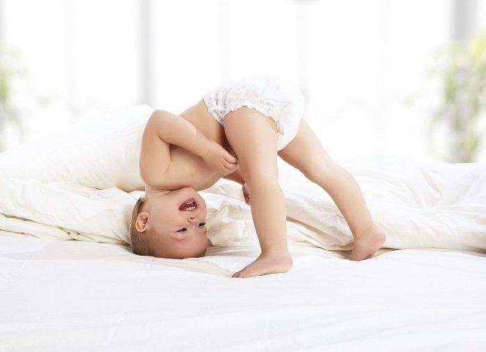 فواید بسیار جالب چهار دست و پا کردن بچه