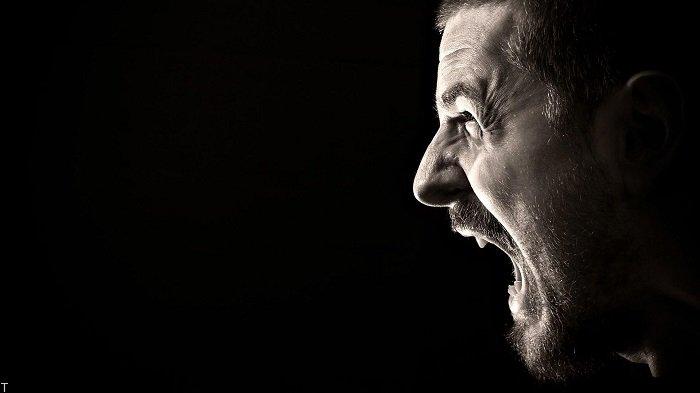 چرا زود و بدون دلیل عصبانی میشوم؟