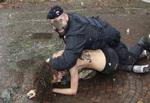 خوردن گوشت بدن زنان بدکاره توسط مرد شیطان صفت + عکس
